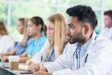 نصائح أساسية لطلاب كلية الطب الجدد.jpg
